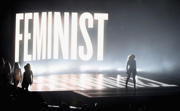 Beyonce performs at 2014 MTV Video Music Awards