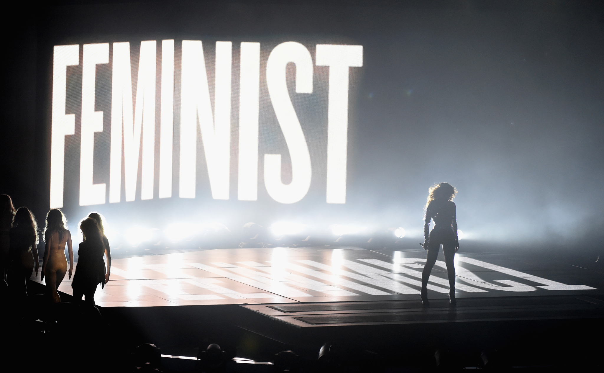 Beyonce performs at 2014 MTV Video Music Awards